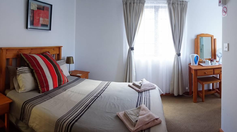 bedroom-blue-lantern.jpg